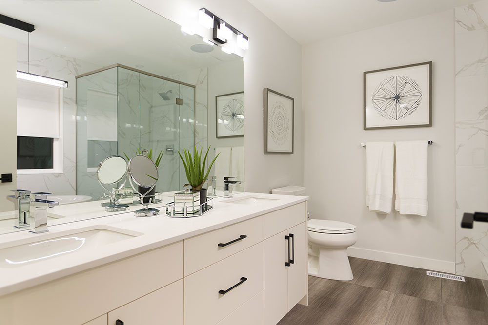 Fairview Ensuite Bathroom Dual Vanity - 31 Highpark Drive, Prairie Pointe, Winnipeg   Show Home