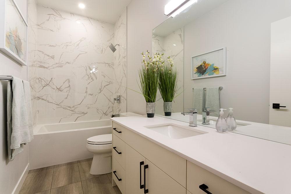 Fairview Main Bathroom - 31 Highpark Drive, Prairie Pointe, Winnipeg   Show Home